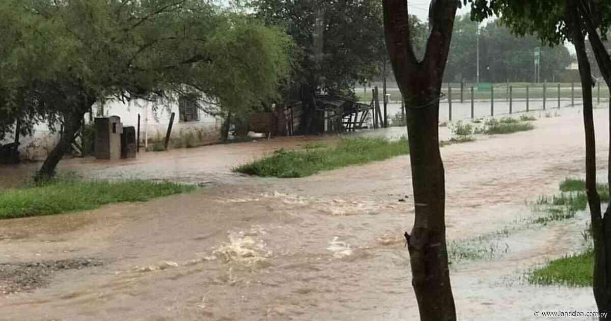 Yaguarón, Paraguarí e Itacurubí de la Cordillera colapsan por inundaciones - La Nación