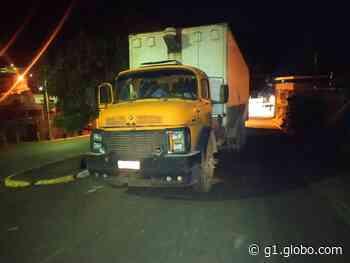 Caminhão com carga de calçados é recuperado pela PM em Pitangui após roubo - G1