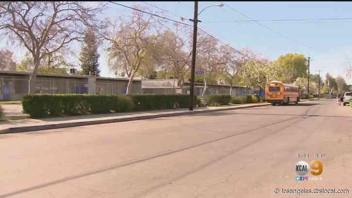 Kids Spotted At Sherman Oaks School Despite Closures
