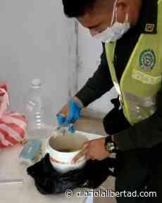 Policía de Galapa descubre modalidad para entrega de elementos ilícitos dentro de alimentos llevados a detenidos en estación - Diario La Libertad