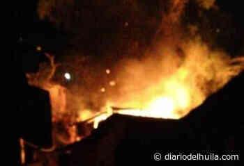 Las llamas acabaron con una vivienda campesina en Suaza - Diario del Huila