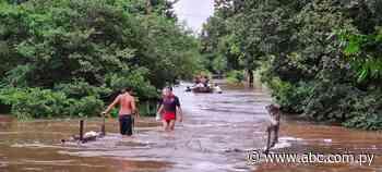 Unas 130 familias desplazadas por las aguas en Coronel Martínez - Nacionales - ABC Color