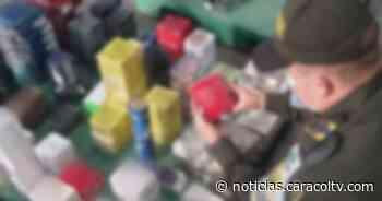 ¿Por qué los incautaron? Policía decomisó más de 300 perfumes que venían de Francia y España - Noticias Caracol
