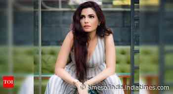 Sayantani to play a character with grey shades in Hoyto Tomari Janye - Times of India