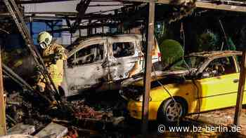 Zwei Autos bei Carport-Brand in Blankenfelde-Mahlow zerstört - B.Z. Berlin