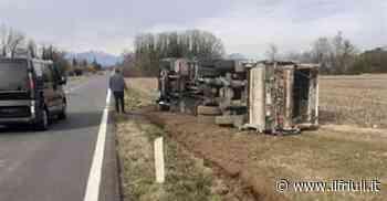 Camion dell'immondizia si ribalta a Basiliano, ferito l'autista - Il Friuli