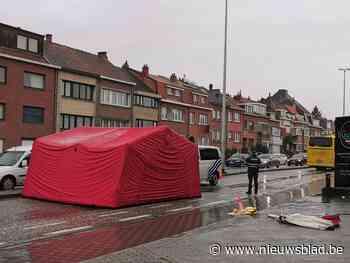 22-jarige vrouw overleden na aanrijding door bus (Kraainem) - Het Nieuwsblad