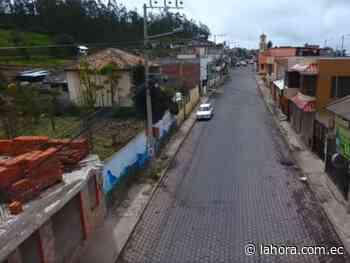 Cierre de vía por trabajo de saneamiento y asfalto en Píllaro - La Hora (Ecuador)