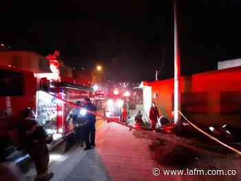 Varias familias afectadas tras voraz incendio de un barrio de Ciudad Bolívar - La FM