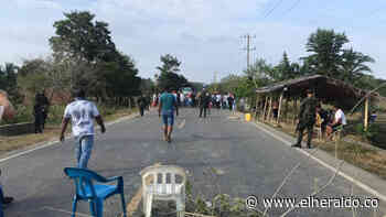 Por muerte de pescador bloquean la vía San Marcos-Majagual - EL HERALDO
