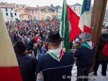 Torrebelvicino dice no ai neo nazisti: la foto cronaca di Maurizio Morelli - Vicenza Più
