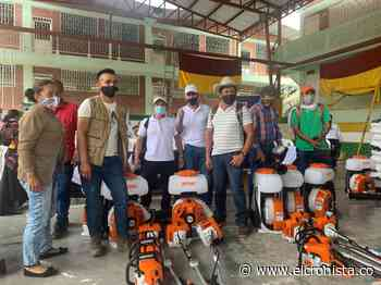 Familias campesinas de Rioblanco reciben dos laboratorios de café - El Cronista