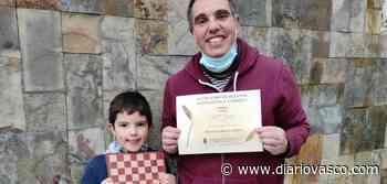 Premio en Oyón para Iñigo Legorburu por su relato 'Bizitza den xake taula' - Diario Vasco