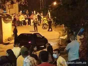 Murió arrollado por un carro en Río de Oro - ElPilón.com.co