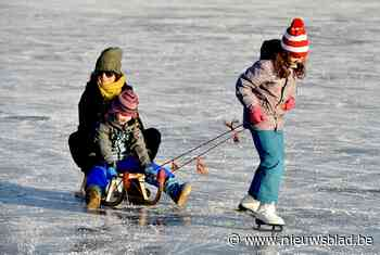 """Schaatsen verboden op Donkvijver en vijvers Domein de Ghellinck: """"Op ondergelopen weides mag het wel"""""""
