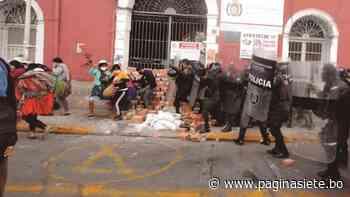Pelea por canasta llega a los dinamitazos en Mizque y a la gasificación en Cercado - Diario Pagina Siete