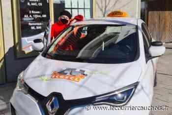 Notre-Dame-de-Gravenchon. L'auto-école acquiert un véhicule électrique à boîte automatique - Le Courrier Cauchois