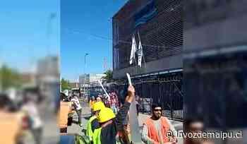 [Video] Trabajadores de Santa Sofía se manifestaron afuera de SMAPA: Les deben $900 millones » La Voz de Maipú - La Voz de Maipú