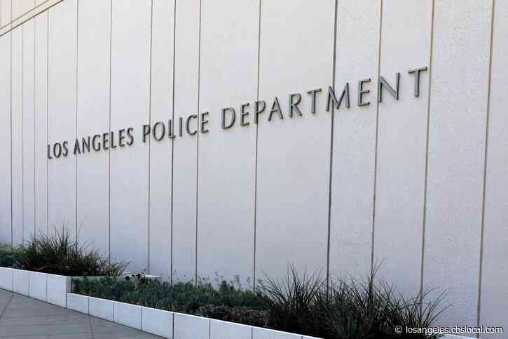 LAPD Opens Investigation After Photo Shows Nearly 40 Officers Without Masks