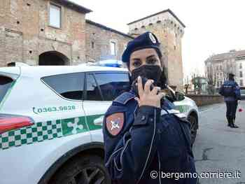 Romano di Lombardia, addio blocchetto delle multe: i vigili (geolocalizzati) gireranno con lo smartphone - Corriere Bergamo - Corriere della Sera