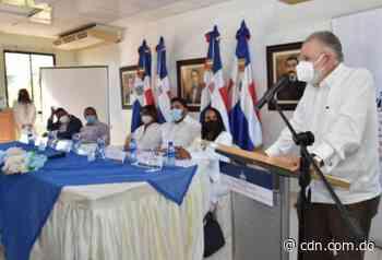 Ministro de Economía firma carta compromiso con autoridades municipales de Pedernales y Oviedo - CDN