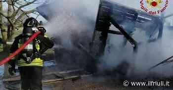 21.14 / Brugnera, in fiamme una casetta in legno - Il Friuli
