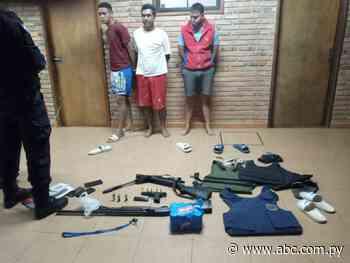 Detienen a tres hombres e incautan armas en San Pedro del Paraná - Nacionales - ABC Color
