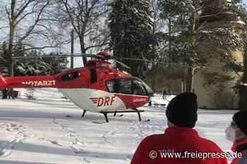 Rettungshubschrauber landet an der Camera obscura in Hainichen - Freie Presse