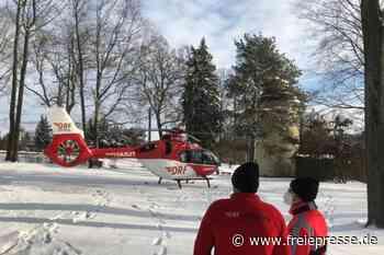 Hubschrauber landet an der Camera obscura in Hainichen - Freie Presse