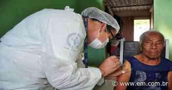 COVID-19: Sarzedo conclui imunização de idosos acima de 90 anos - Estado de Minas