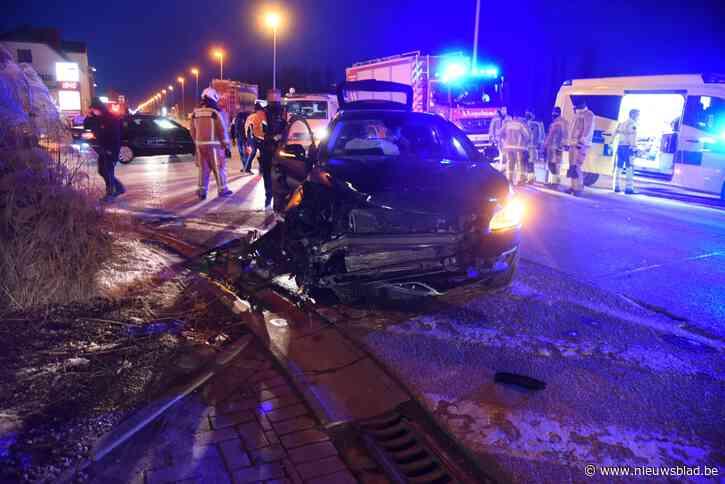 Twee wagens betrokken bij ongeval op Brusselsesteenweg<BR />