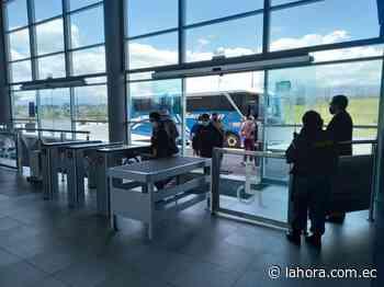 Confusión en usuarios por las dos terminales terrestres de Ambato - La Hora (Ecuador)