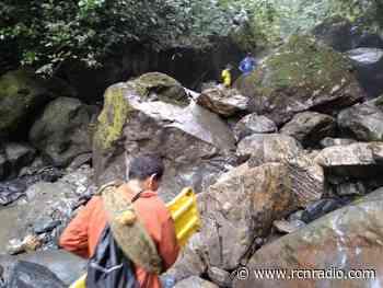 Hallaron cuerpo de hombre que cayó por una cascada en Florián, Santander - RCN Radio