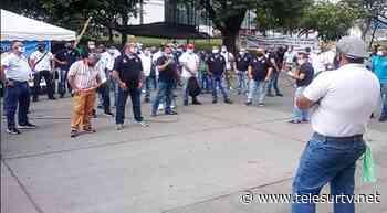 Crónica de una jornada con los obreros de Centelsa, en Yumbo - teleSUR TV
