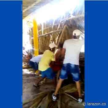En video: colapsó 'kiosko' en sector Playa Blanca de San Antero - LA RAZÓN.CO