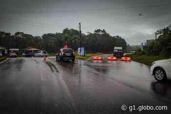 Polícia Militar monta barreiras para evitar aglomeração em Abaetetuba - G1