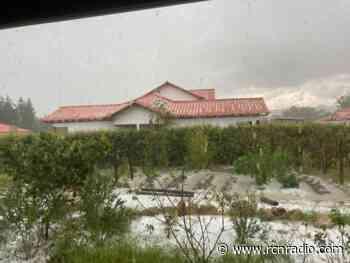 Villa de Leyva se vistió de blanco con una fuerte granizada - RCN Radio