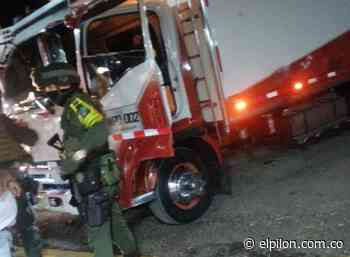 A bala atacaron a camión en Curumaní: conductor salió ileso - ElPilón.com.co