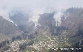 Ambato amaneció con olor a humo por el incendio del cerro Casigana - El Comercio (Ecuador)