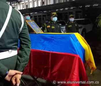 Rindieron homenaje póstumo a policías asesinados en Guaranda - El Universal - Colombia