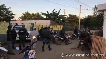 Detienen varios haitianos que penetraban a negocios en comunidad de Montecristi - Periódico El Caribe - Mereces verdaderas respuestas - El Caribe