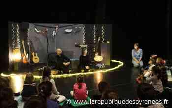 Monein: le spectacle-concert « Desnonimo » a ravi les jeunes enfants - La République des Pyrénées