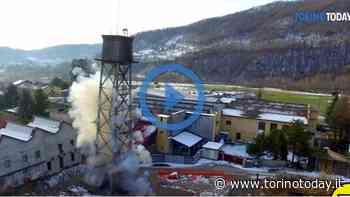 Esplosione in mattinata a Luserna San Giovanni: demolita la torretta della vecchia fabbrica tessile | Video - TorinoToday