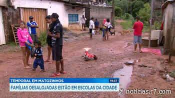 Desalojados são abrigados em escolas de Matozinhos (MG) - R7.COM
