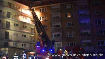 Brand in Hochhaus: Feuerwehrgroßeinsatz in Nienburg - blickpunkt-nienburg.de