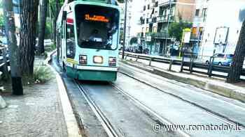 """Atac rallenta i tram: andranno tra i 5 e i 10 km/h. I sindacati: """"Sui binari solo manutenzioni spot"""""""