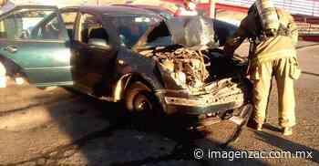 Se registra choque automovilístico en carretera a El Orito; hay un herido - Imagen de Zacatecas, el periódico de los zacatecanos