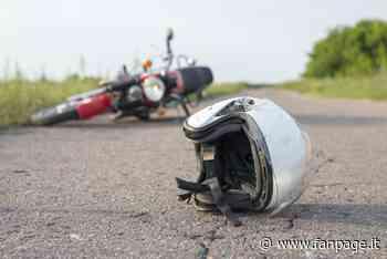Grave incidente tra auto e moto a Villongo: uomo trasportato in ospedale in elicottero - Fanpage.it