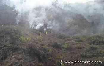 Incendio de gran magnitud en el Mirador del Casigana, en Ambato; Bomberos tratan de sofocar las llamas - El Comercio (Ecuador)
