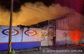 Incendio termina con 2 empresas en Capilla de Guadalupe 0:49 - Quadratín Jalisco